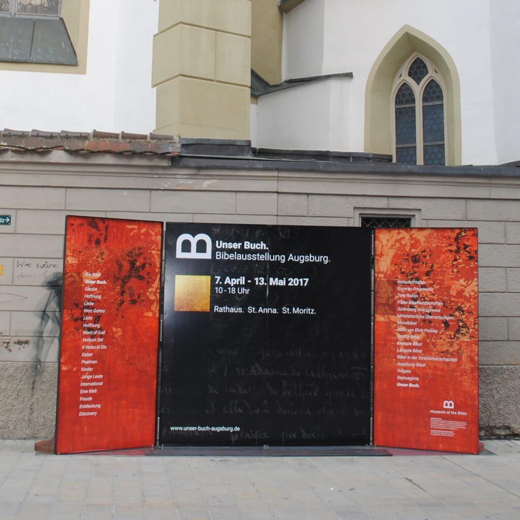 DSC 0284 1 1024x1024 - Unser Buch - Bibelausstellung