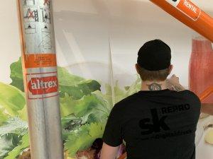 Sammelmappe1 Seite 03 300x225 - DEAN & DAVID FOOD Verklebung in der City-Galerie Augsburg