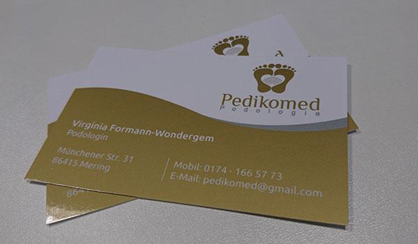 pedikomed visitenkarte - Außenwerbung am Firmensitz – Schaufenster für PEDIKOMED Mering